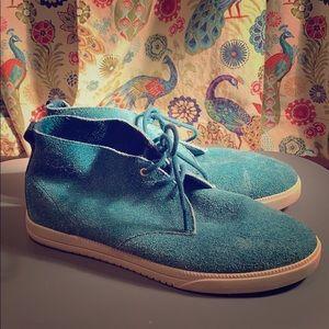 Clea Blue Suede Chukka Sneakers